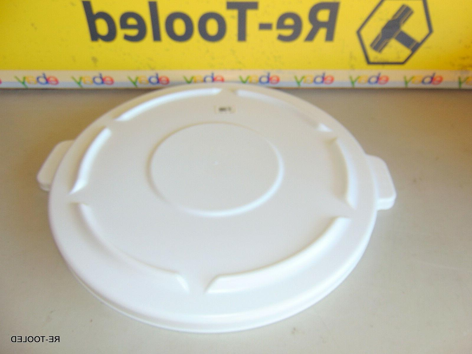 Rubbermaid Commercial FG264560WHT Brute Round Plastic Lid, W