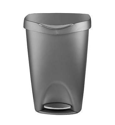 Umbra Brim Gallon Trash Can