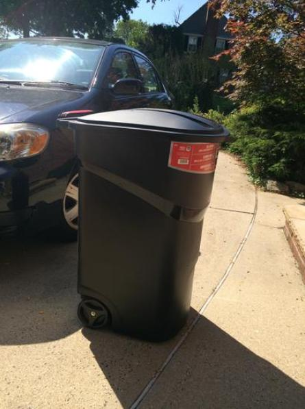 Large Rolling Outdoor Can Wheeled Waste Bin
