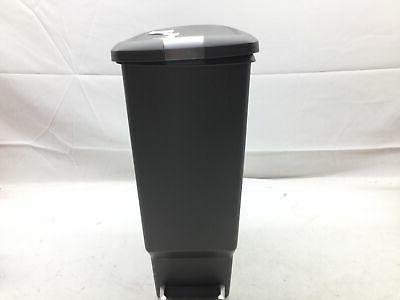 slim plastic can
