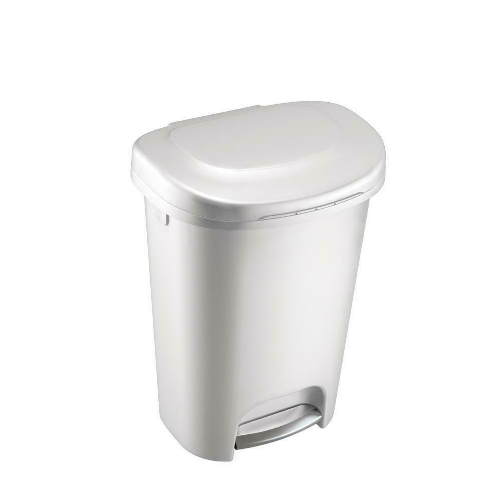 step on trash can 13 gal rubbermaid