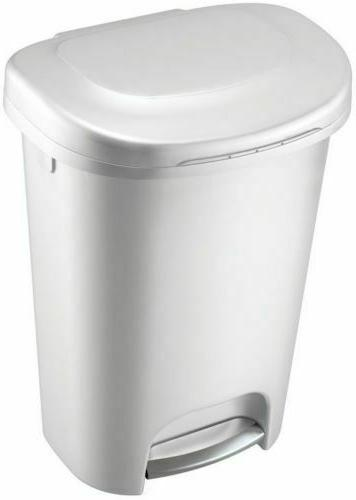 RUBBERMAID TRASH CAN 13 Gal Kitchen Home Step On Waste Garba