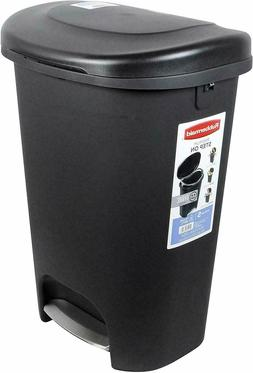 rubbermaid step on lid trash can